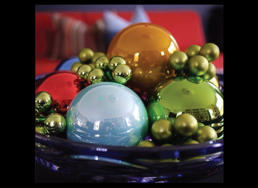 Christmas-Ornaments-in-a-Bowl