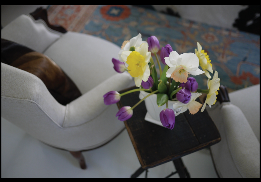 Daffodils-and-Tulips-flower-arrangement