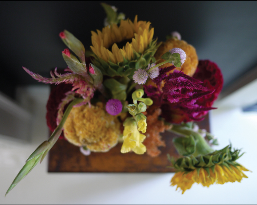 a-balanced-flower-arrangement