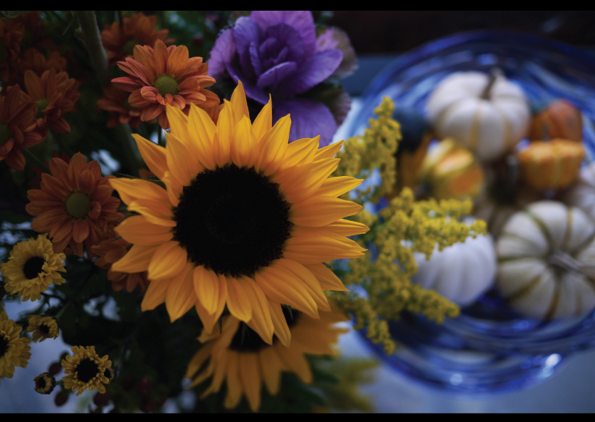 Fall-Flower-Arrangement-and-Mini-Pumpkins