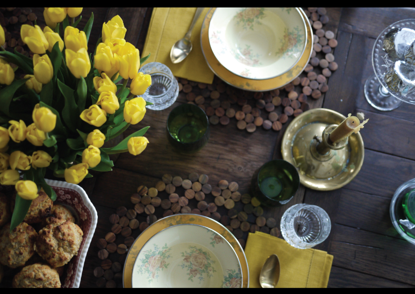Golden-Winter-Tablescape