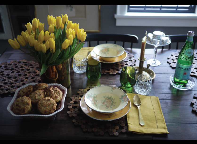 Yellow-Tulips-and-Golden-Tablescape-for-a-Grey-Day