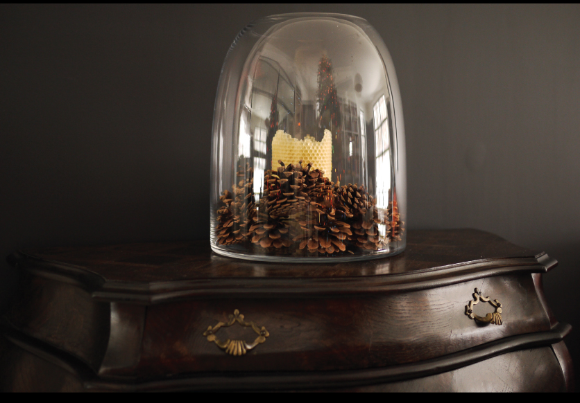 Beehive-Vase-with-Pinecones-and-a-Perin-Mowen-Pillar-Candle