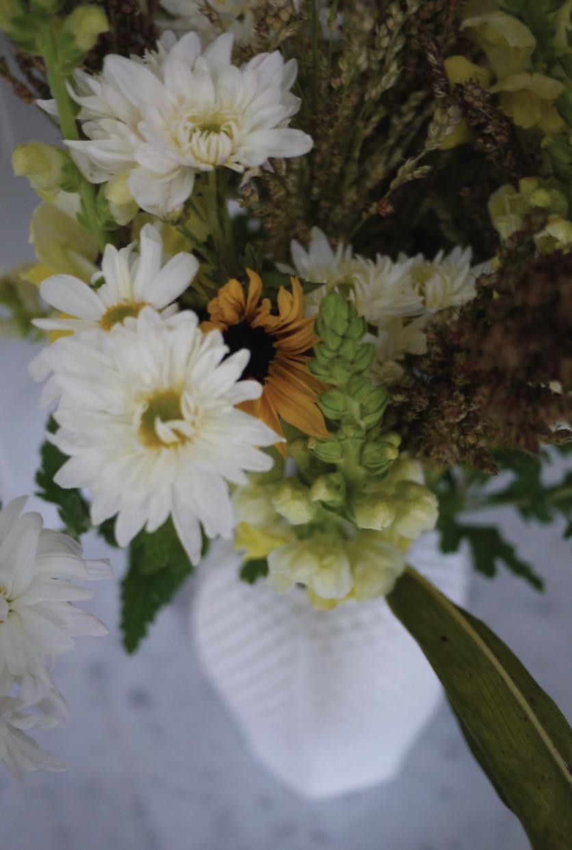 Kitchen-Flower-Arrangement