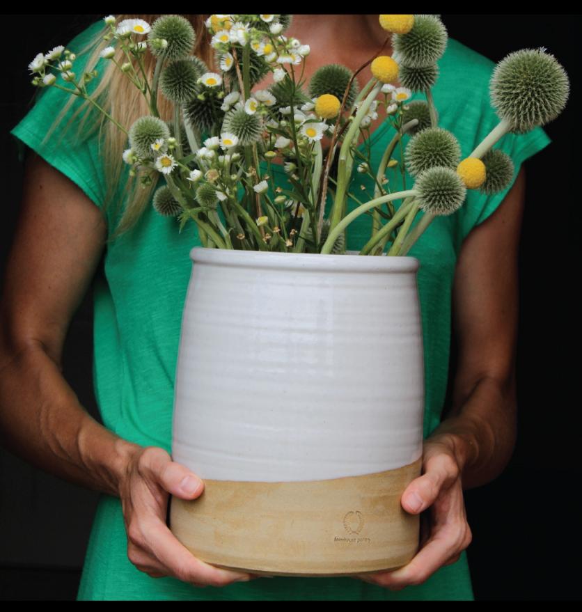 Farmhouse-Pottery-Beehive-Pot
