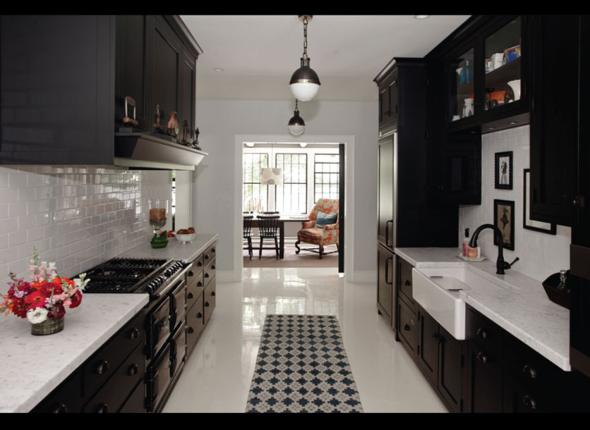 Black-Kitchen-via-Wall-Street-Journal-House-of-the-Day
